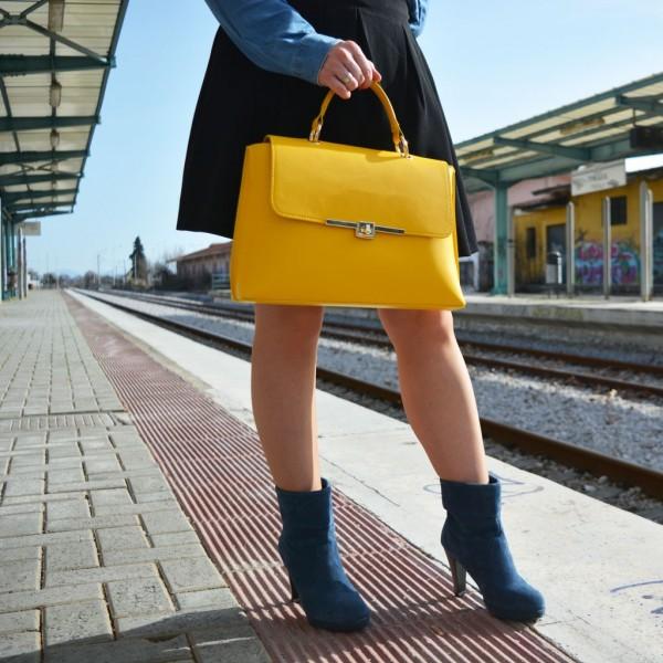 Maya Leather Shoulder Bag Yellow