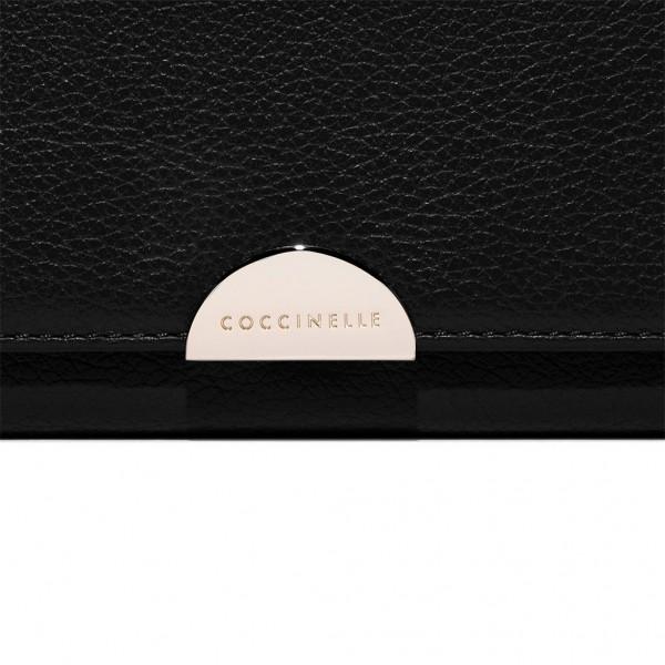 Γυναικείο δερμάτινο πορτοφόλι Coccinelle Half